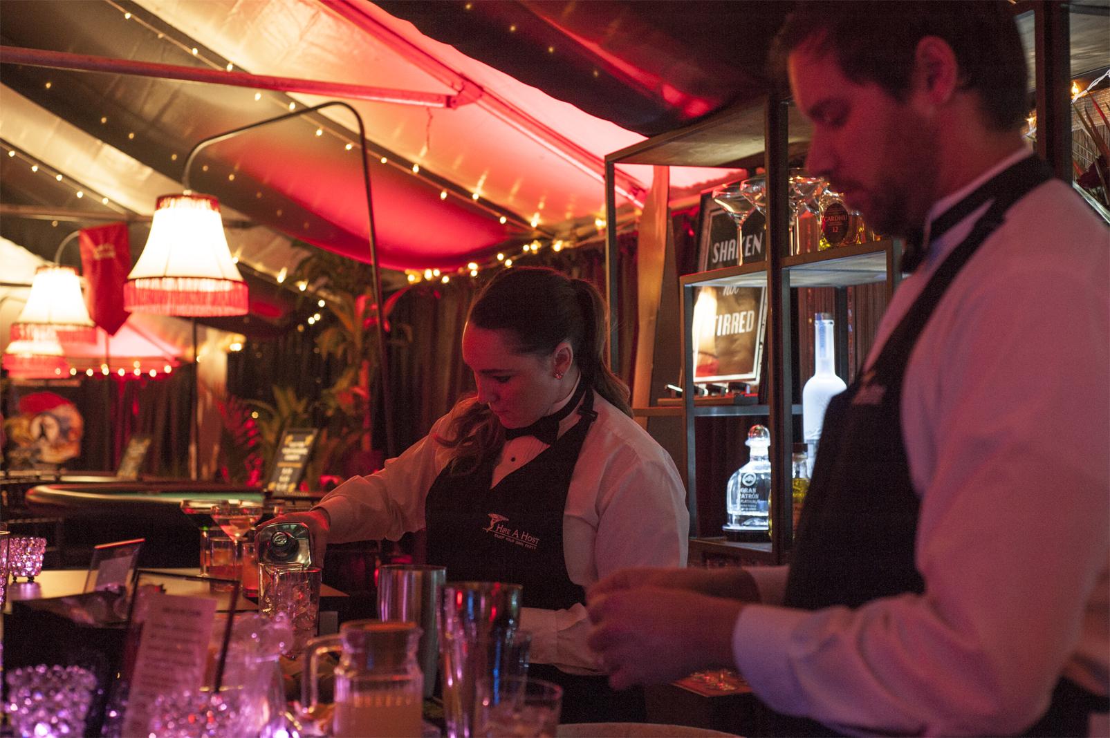 Bartenders_Casino_Royale